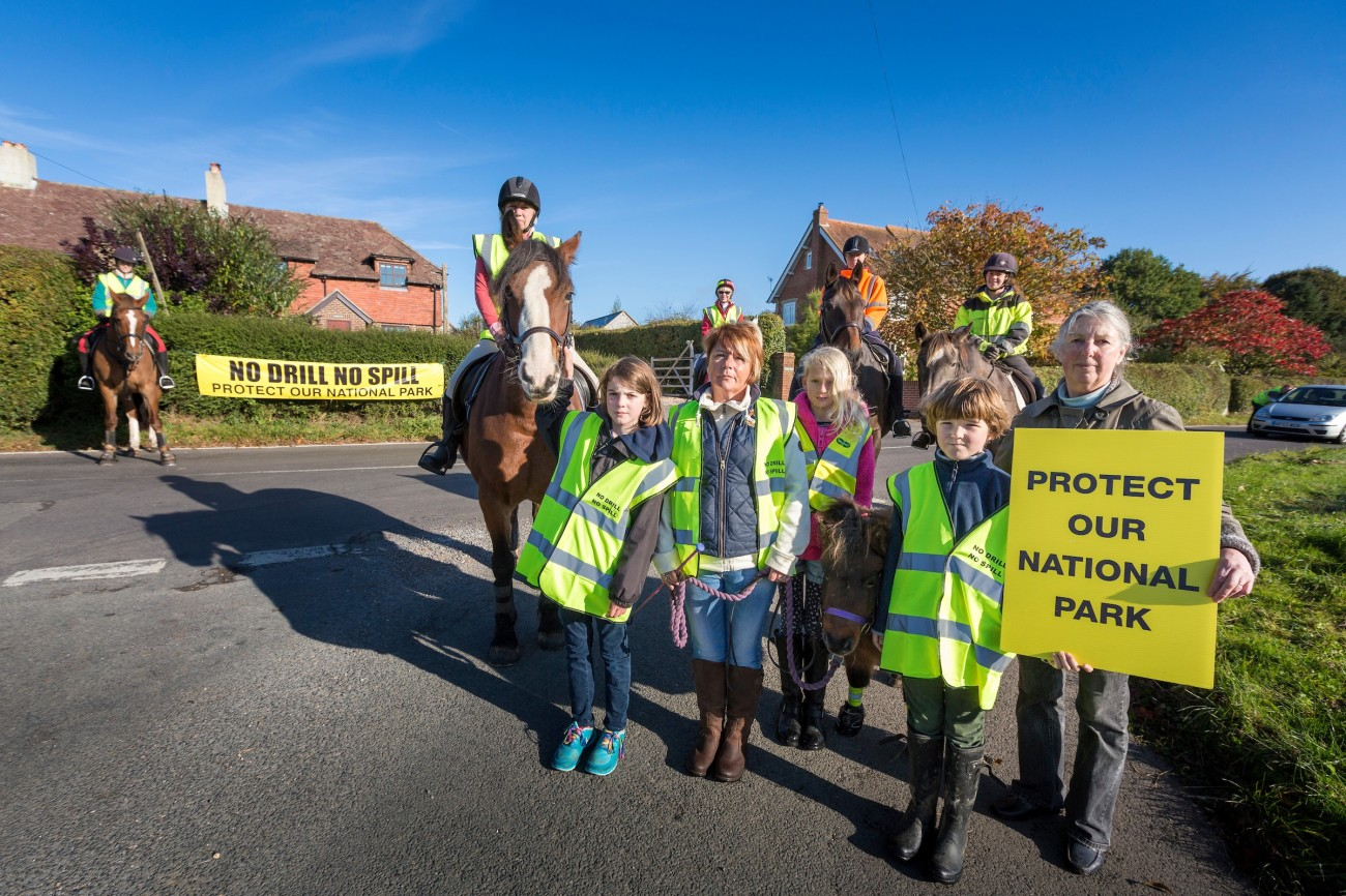 markwells-wood-horse-protest-markwells-wood-watch