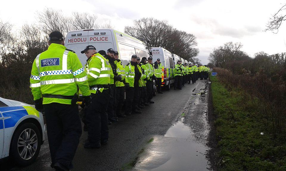 Bailiffs arrive