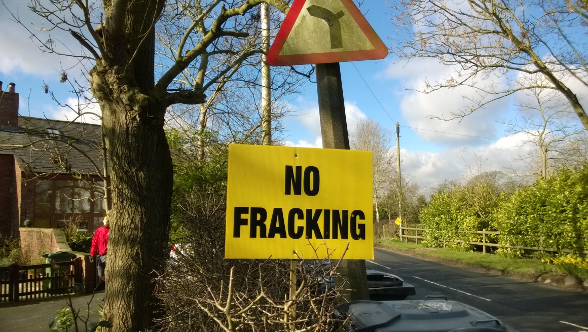 fracking-lancas-sign