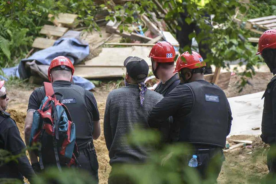 Leith HIll eviction 170622 Rob Harbinson5