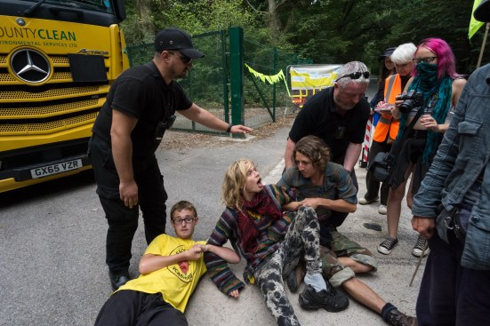 Protest outside the Horse Hill site in Surrey, 20 August 2018. Photo: RobHarbinson.com