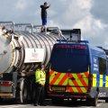 180912 Preston New Road lorry surfer Ros Wills 2