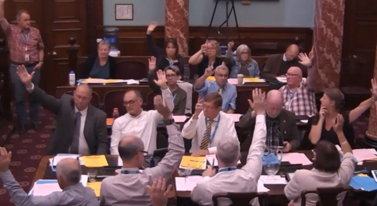 180913 BNES council vote on shale gas pd motion