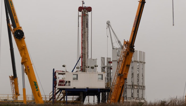 Equipment being installed at IGas's shale gas site at Tinker Lane, 16 November 2018. Photo: Tinker Lane Community Liaison Group