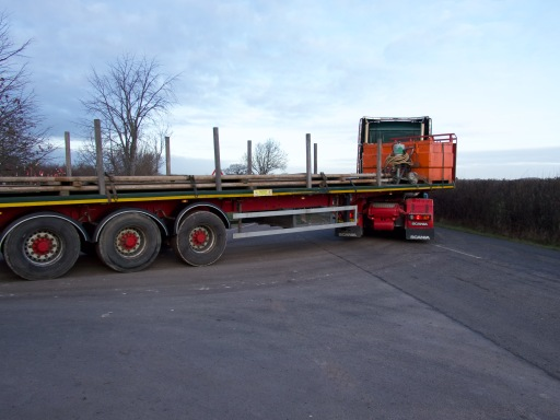 Lorry loaded with drill pipes leaving the IGas shale gas site at Tinker Lane, Nottinghamshire, 2 January 2019. Photo: TinkerLane.co.uk