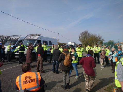 Protest at IGas shale gas site at Springs Road, Misson, 1 April 2019. Photo: Tina English