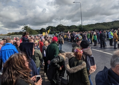 Opponents of fracking-induced earth tremors outside Cuadrilla's shale gas site near Blackpool, 31 August 2019. Photo John Gill