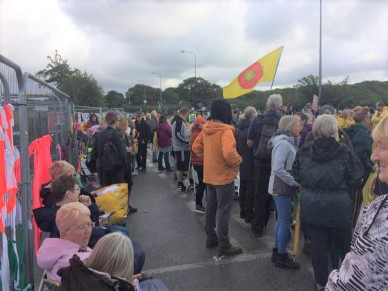 Opponents of fracking-induced earth tremors outside Cuadrilla's shale gas site near Blackpool, 31 August 2019. Photo: Roger Lloyd