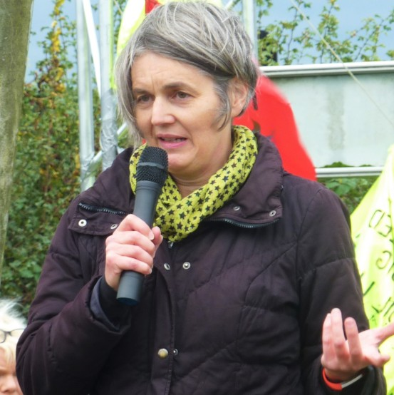 Sarah Finch at Horse Hill protest rally. 26 October 2019. Photo: DrillOrDrop